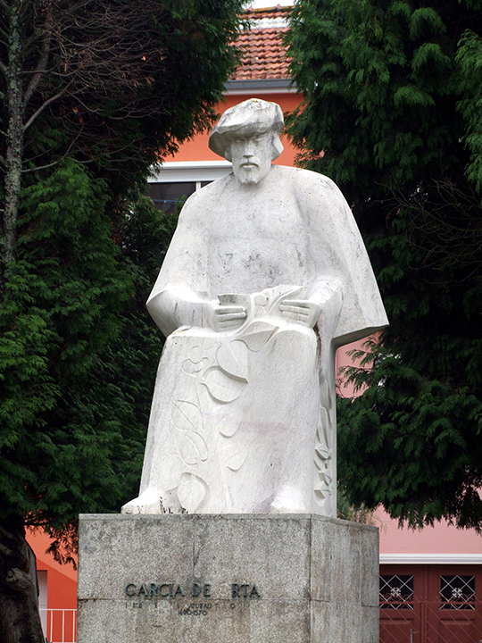 Garcia de Orta Statue By JotaCartas (Own work) [CC BY-SA 3.0 (http://creativecommons.org/licenses/by-sa/3.0) or GFDL (http://www.gnu.org/copyleft/fdl.html)], via Wikimedia Commons