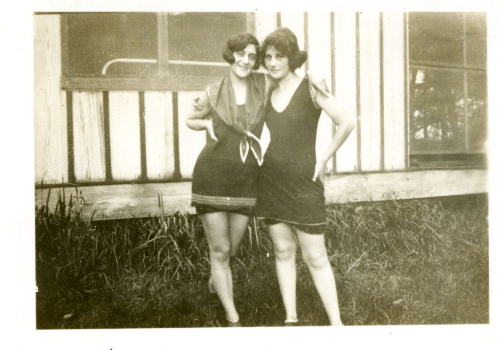 Dr. Lucille Liberles of Baltimore with a friend, circa 1920. Gift of D.C. Liberles. JMM 1980.029.105b
